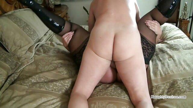 Blonde aux gros black enceinte porno seins séduit l'entraîneur