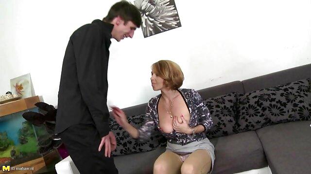 Une jeune fée est prête à baiser dans video sex femme enceinte n'importe quelle position