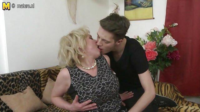 Au début, le couple s'est branlé, puis la beauté était impatiente de prendre le membre excité d'un ami dans sa video erotique femme enceinte bouche