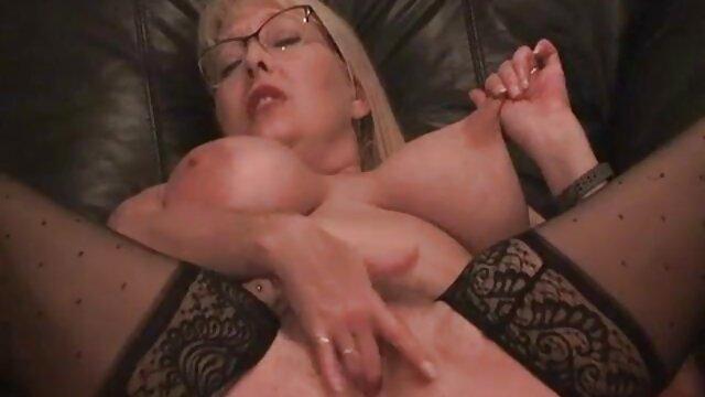 Baiser une salope dans une grossesse et porno chatte qui grignote